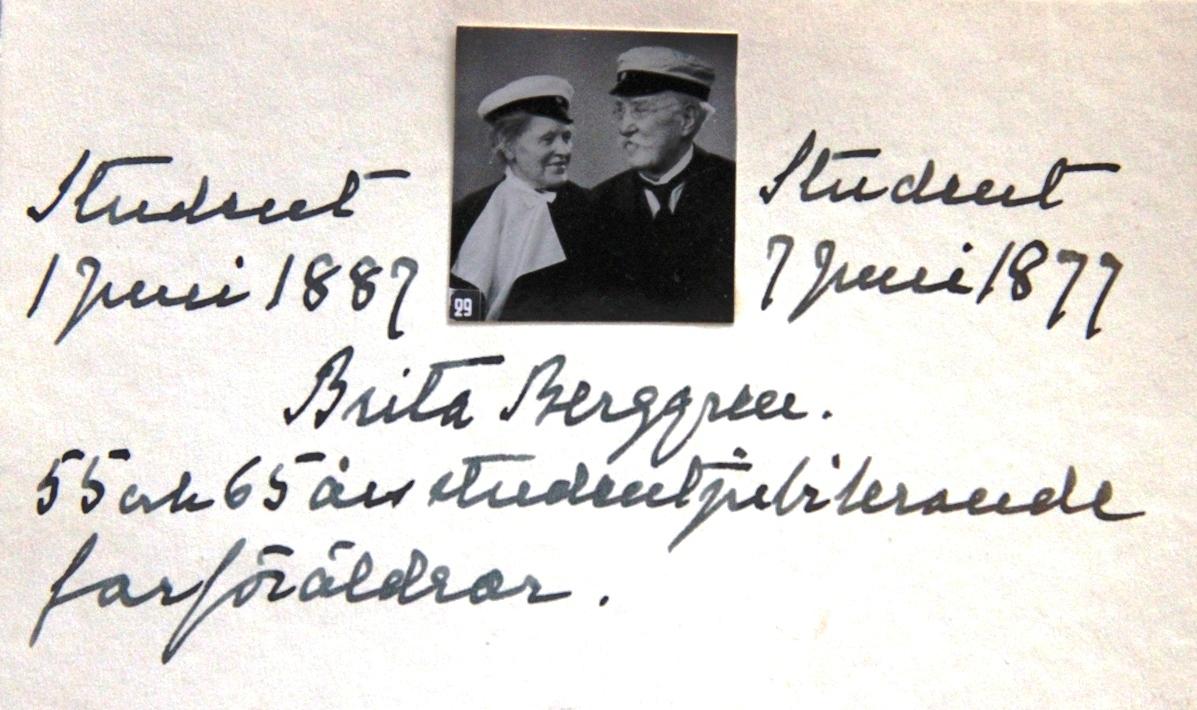 Farmor Anna var en av de två första kvinnliga studenterna i Gefle.