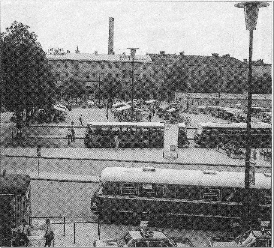 Stortorget_mot_Sagabiografen_1967_Adolf_Lofgren