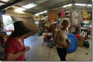 Traralgon, Anja och Lesley, provisoriskt boende