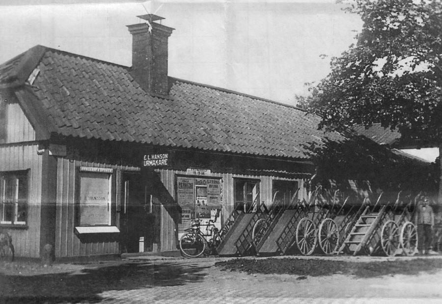 Tecknarens hus som målaren inte såg. E.L.Hansson-Urmakare.
